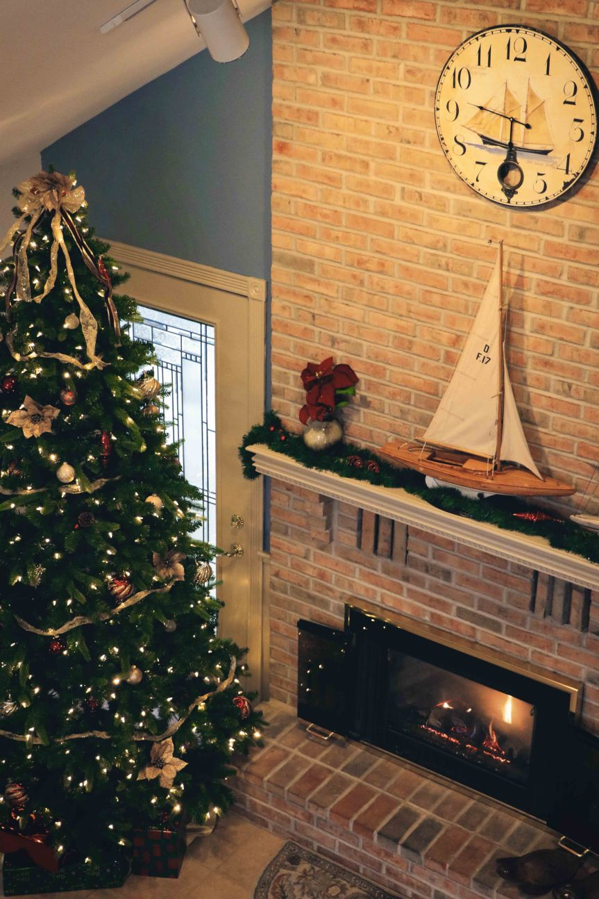 Christmas mantle and tree reduced